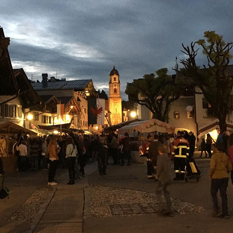 Mittenwalder Fußgängerzone nachts